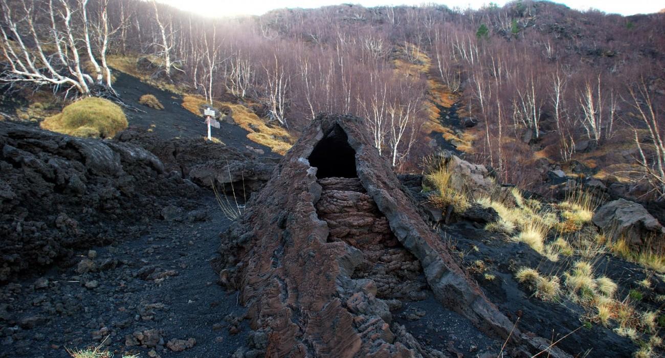 Grotta di Serracozzo Canale Lavico Etna