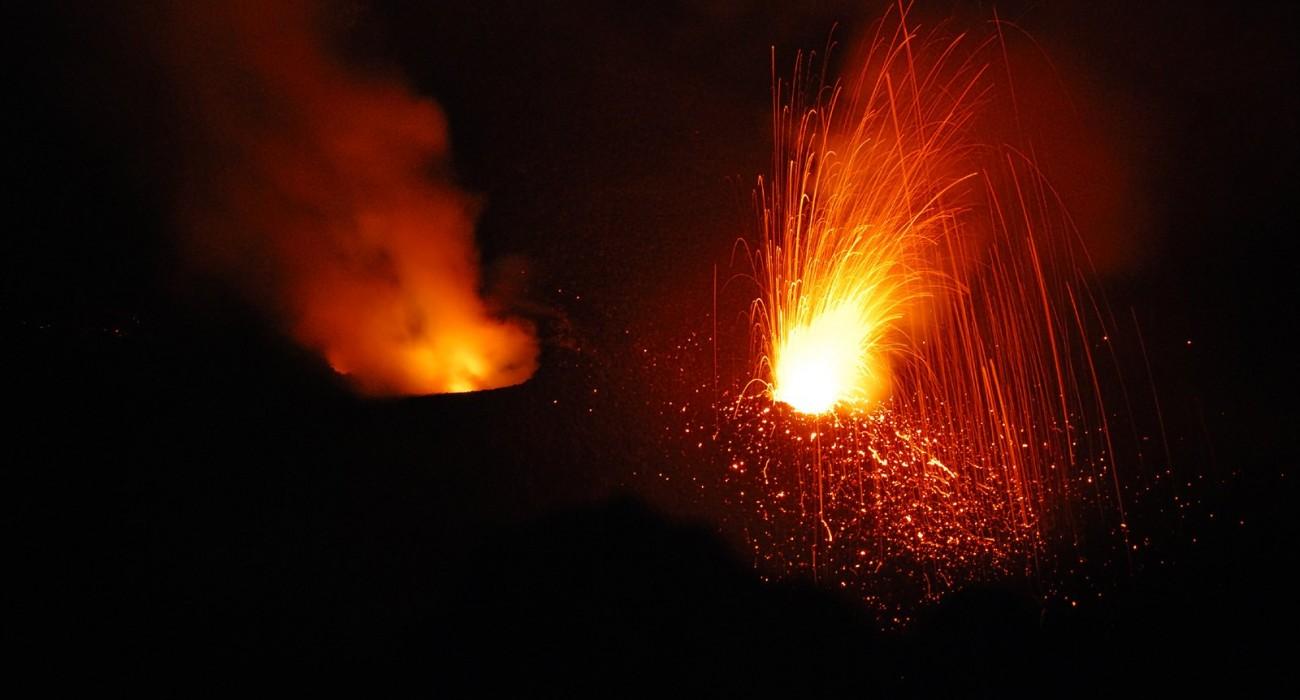 Esplosioni Crateri Stromboli Isole Eolie
